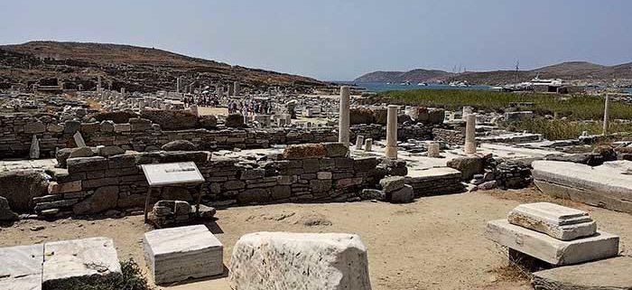 Vacanze Grecia 2018, la Grecia vista dal mare delos sito archeologico mikonos cicladi