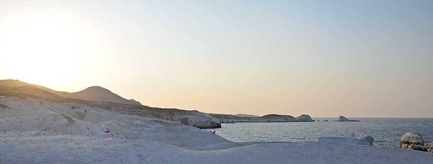 Vacanze Grecia 2018, la Grecia vista dal mare cicladi milos sarakiniko
