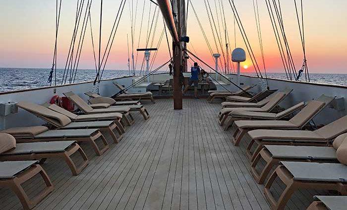 Vacanze Grecia 2018, la Grecia vista dal mare santorini galileo sundek cicladi